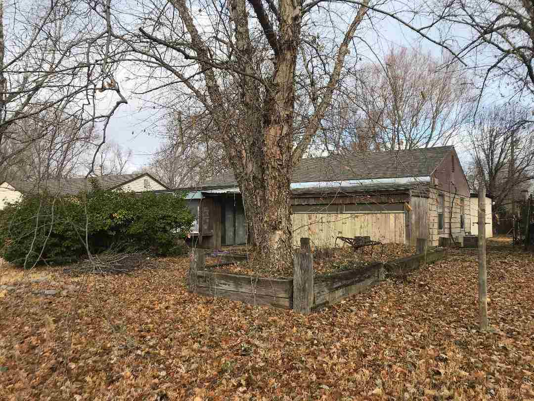 Great Investment Opportunity. Currently rented at $450 a month. 2 bed, 1 bath, ranch style home. New