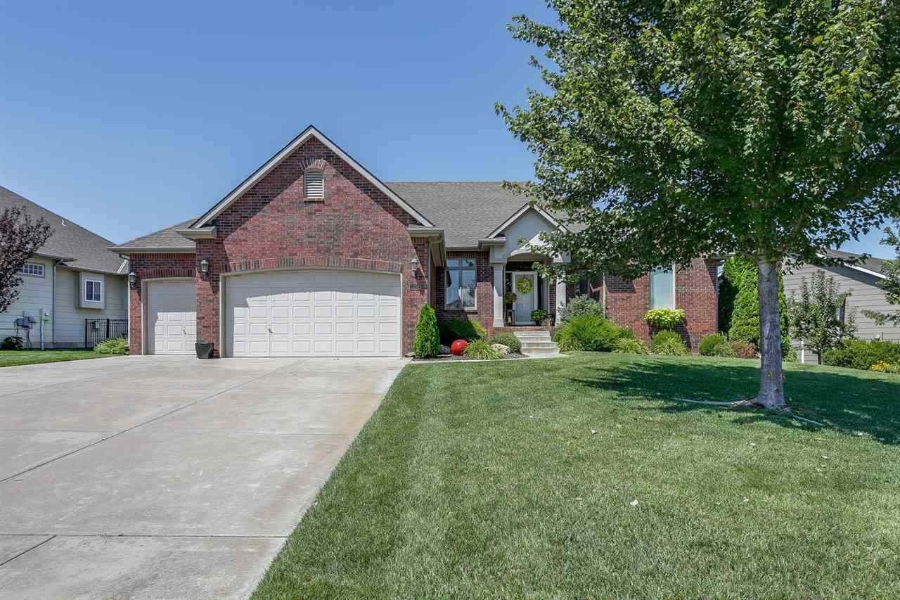Wonderful Ranch floor plan,  very open with a split bedrooms in Rocky Creek with NO SPECIAL TAXES. L