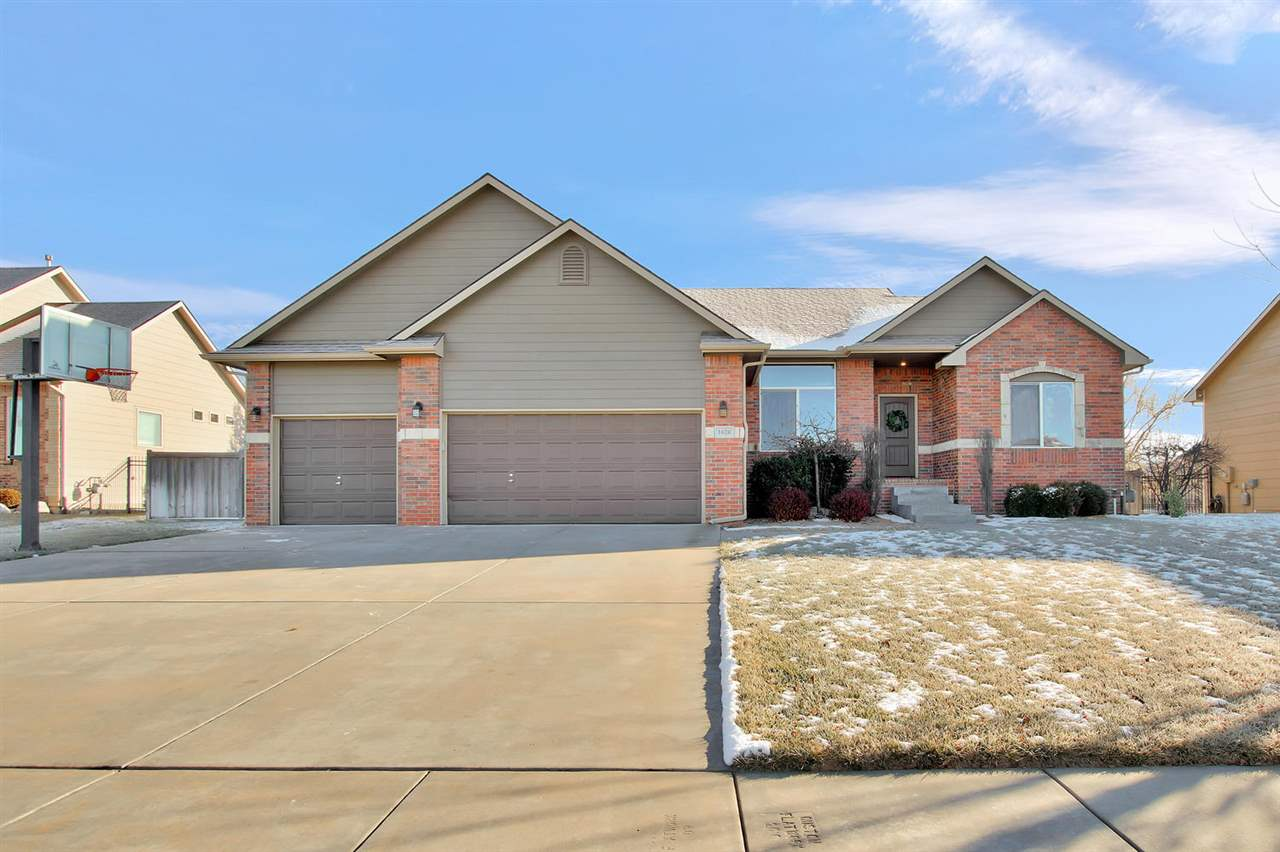 Beautifully maintained 5 bedroom 3 bath home located on a quiet cul-de-sac in desirable Ashborough A