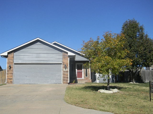 Fabulous Ranch Home within walking distance of the new Andover elementary and YMCA. Open floor plan