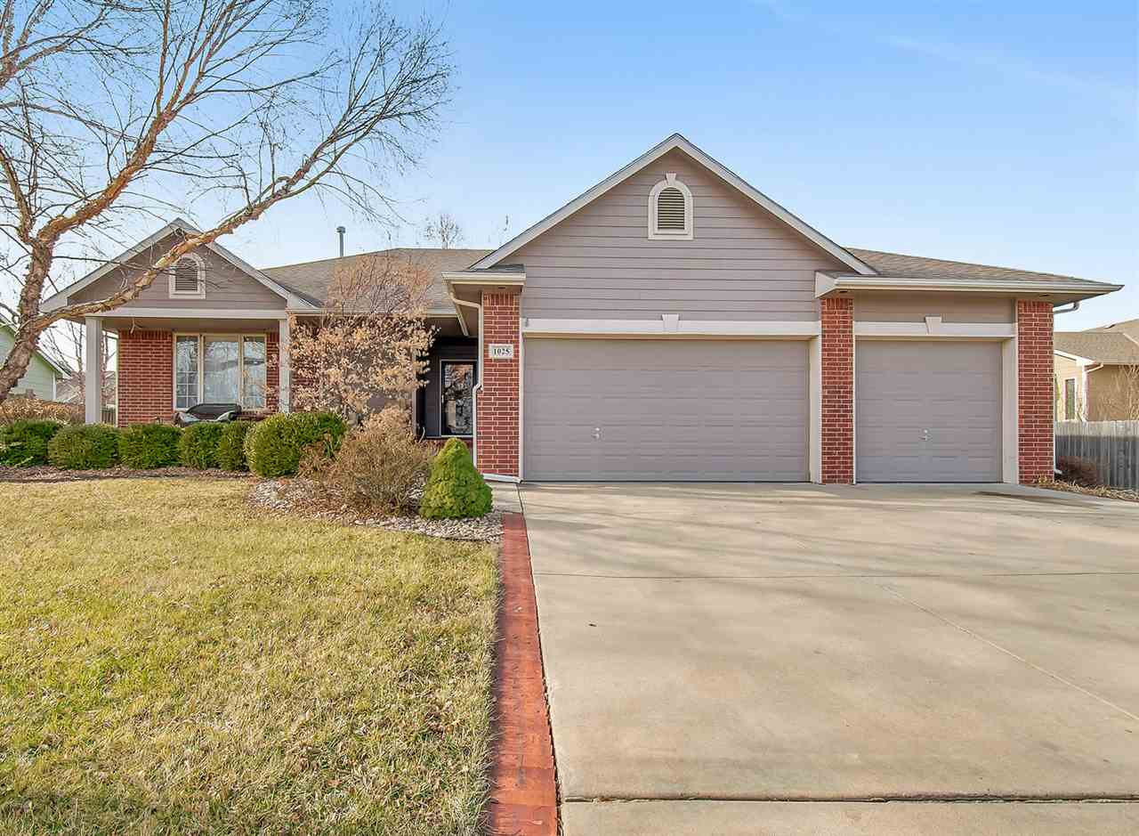 You won't want to miss out on this beautiful, well maintained home located in Derby!  As you walk in