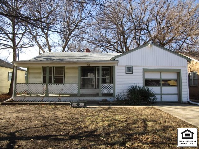 Great Value! Ranch Style Home Featuring: 2 Bedrooms, 2 Bathrooms, Basement with Family Room, Hardwoo