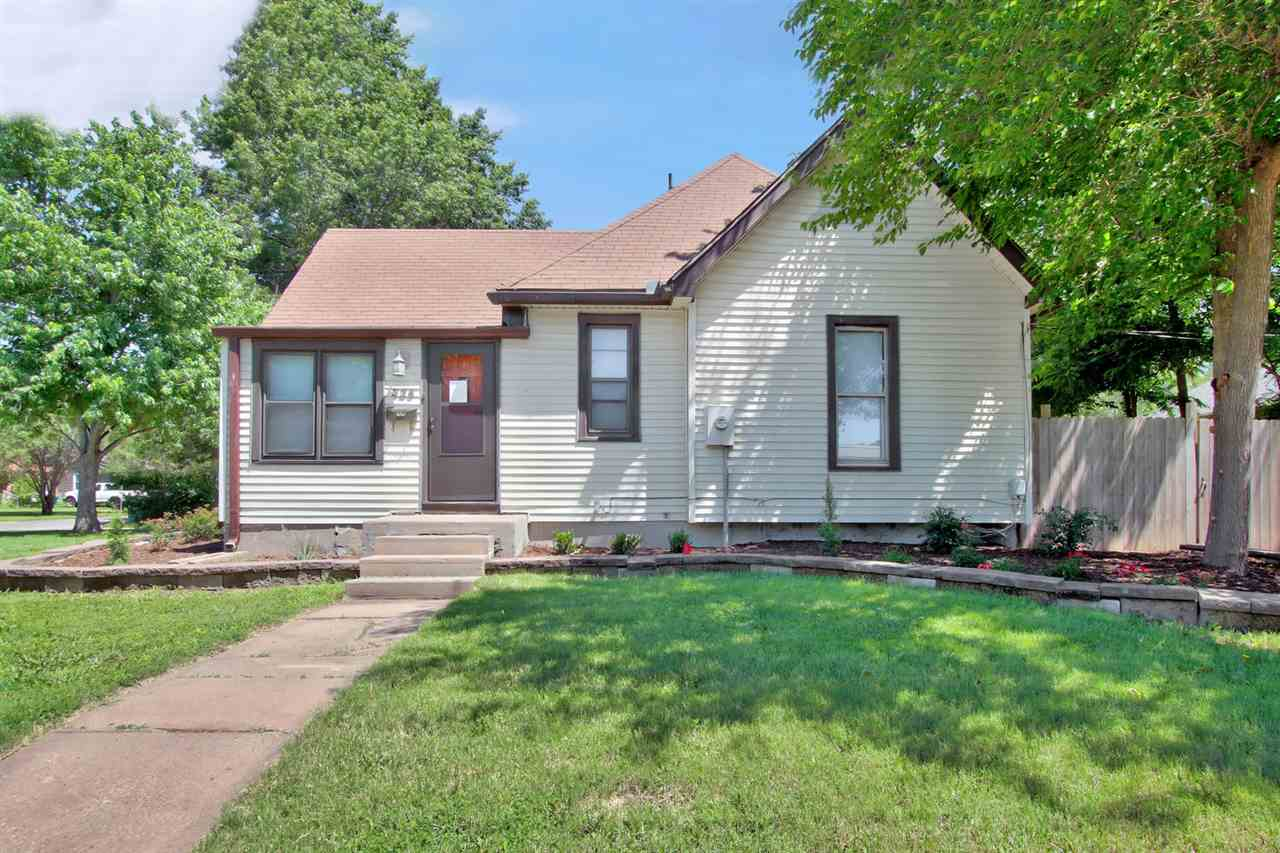 Beautifully Landscaped 3 Bedroom home on a corner lot, in the peaceful town of Valley Center. This h