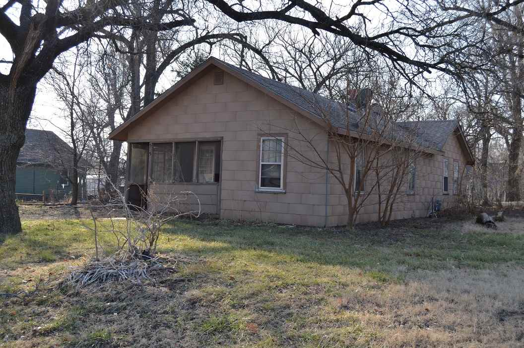 535 N Young St, Wichita, KS, 67212