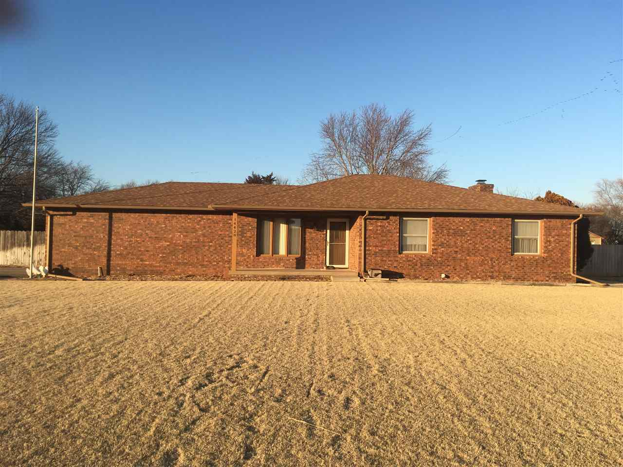 Full brick ranch with a huge yard. original owner had home built. Great location in Goddard School D