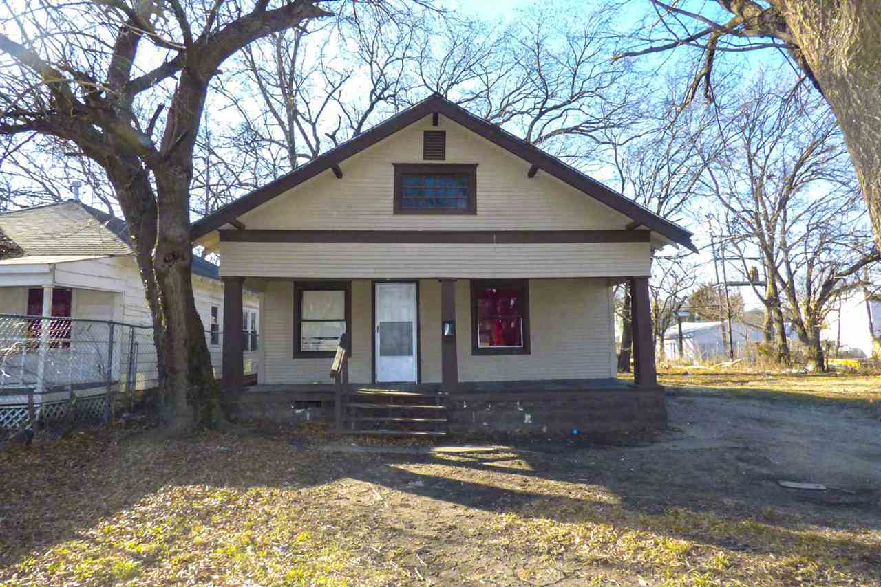 433 N GROVE St, Wichita, KS, 67214