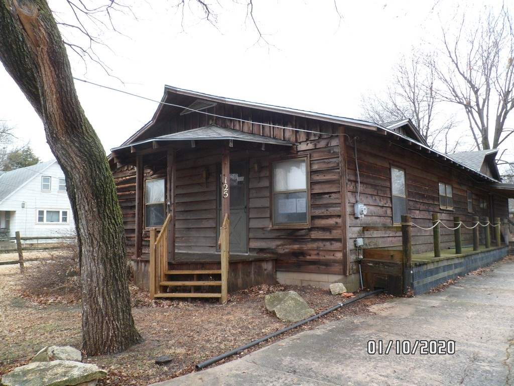 Rustic cabin charm! This home has tremendous potential. Are you looking for a location to move your