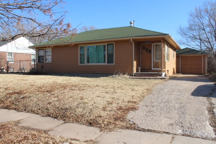 Charming two bedroom and one full bathroom. Exterior is full masonry brick constructions for the ben