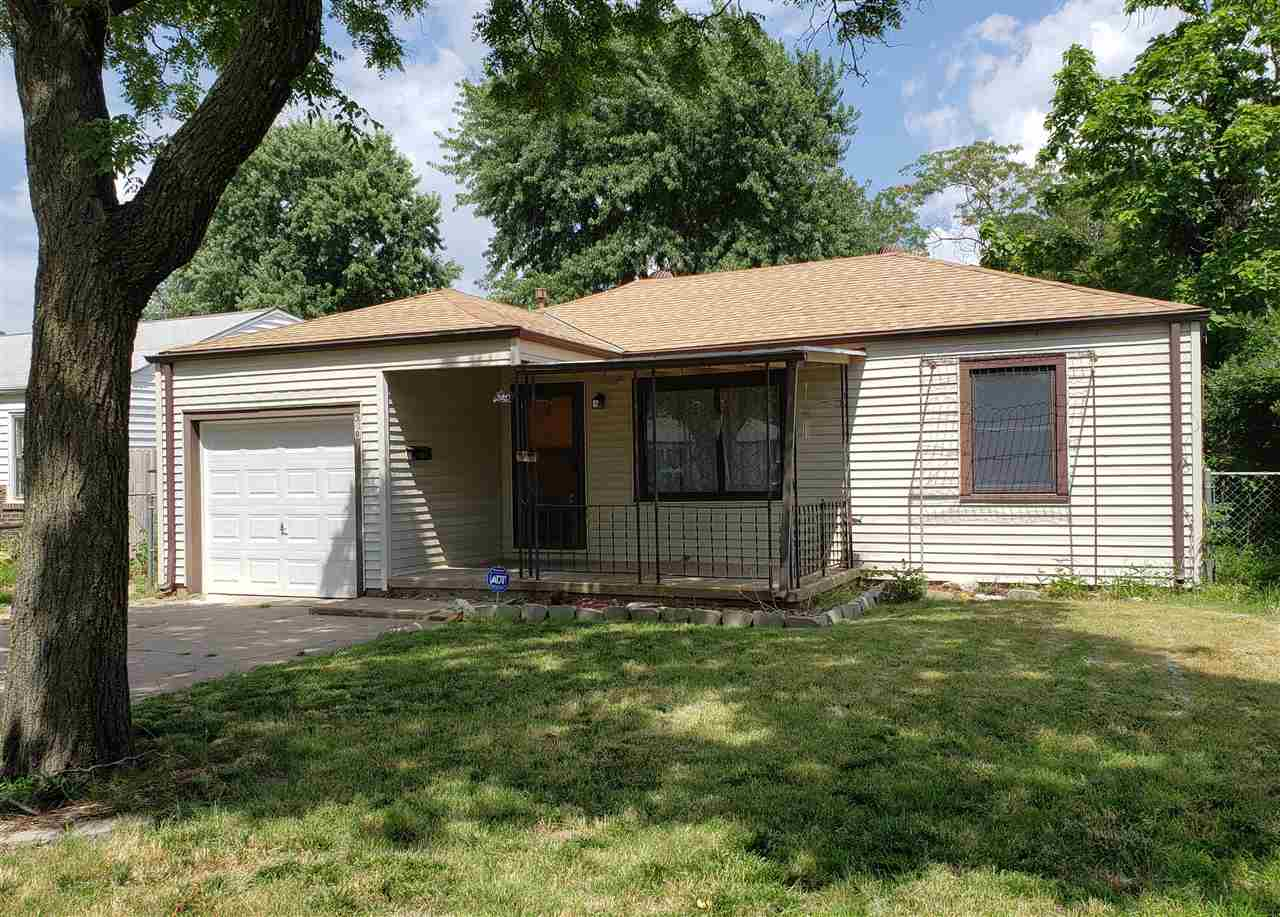 Adorable 2bd, 1bath home in the Sunflower District. From the moment you walk into the home you'll fa