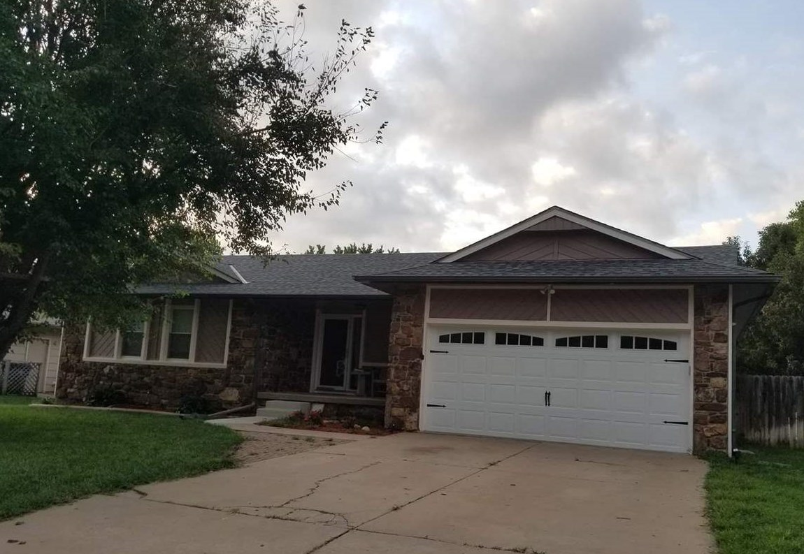 DON'T WAIT AND MISS THIS ONE!!!   Lovely home in Derby, Kansas.   New New New through out the home.