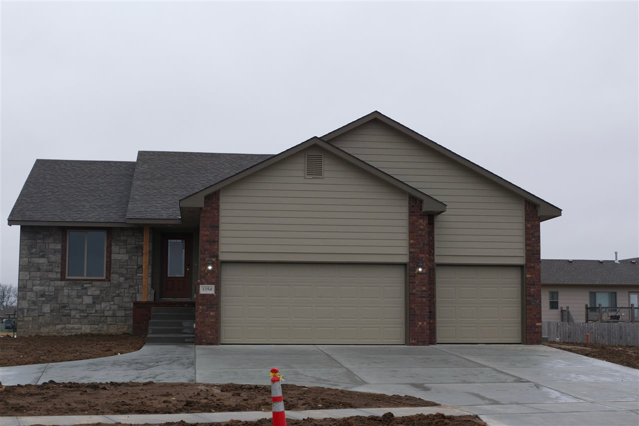 New build in Derby. This open floor plan offers 3 bedrooms and 3 full bath. Unfinished view-out base