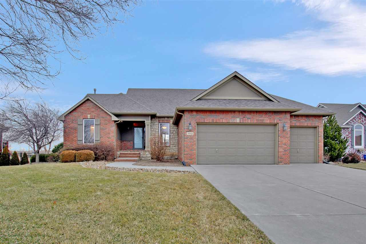 Beautiful home in West Wichita with Open floor plan   Walk in and enjoy the beautiful view of the la