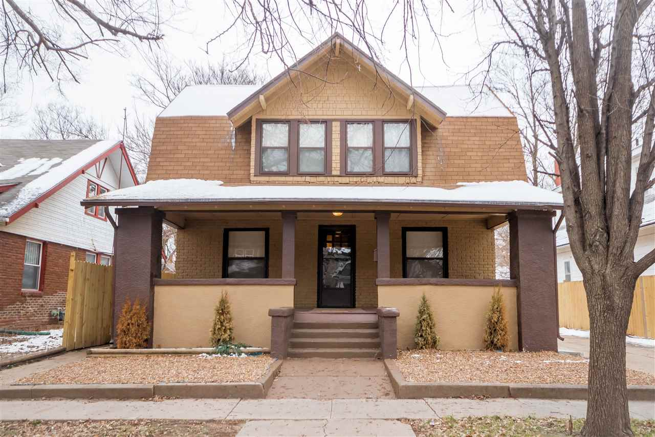 5 bed 3 bathroom historical bungalow near College Hill!  This property has been split up into rental