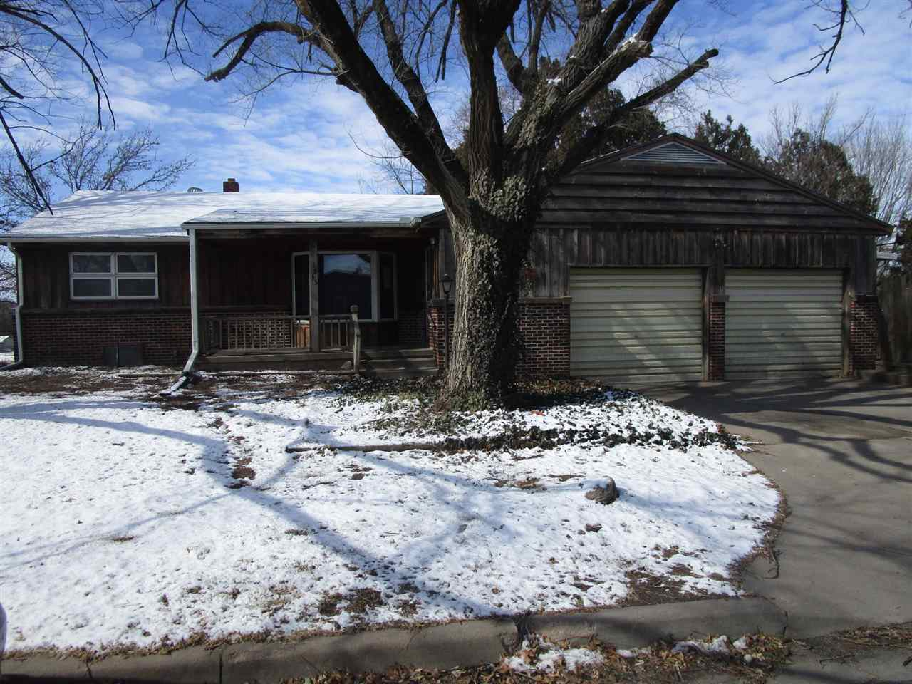 **FHA $100 Down Program Available For Eligible Buyers** Home is a very nice 2 bedroom, 1 bathroom wi