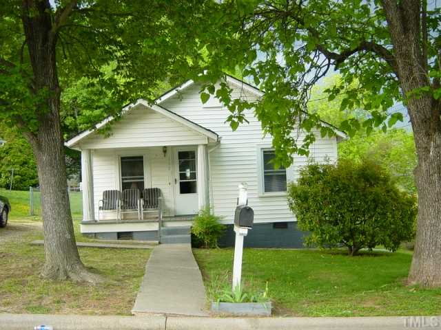 Photo of home for sale at 117 Summitt Avenue, Oxford NC