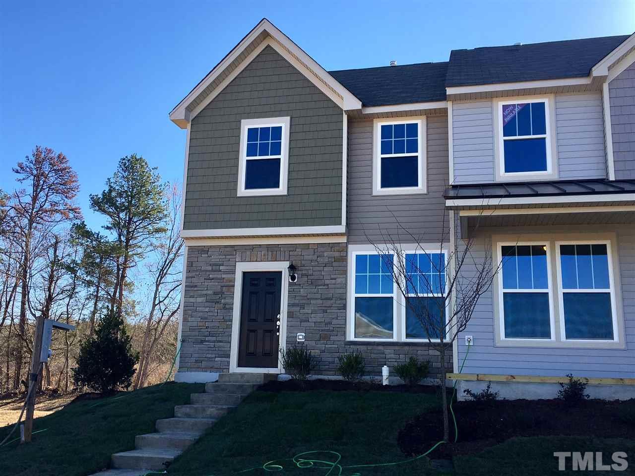 Photo of home for sale at 1043 Kenross Drive, Burlington NC