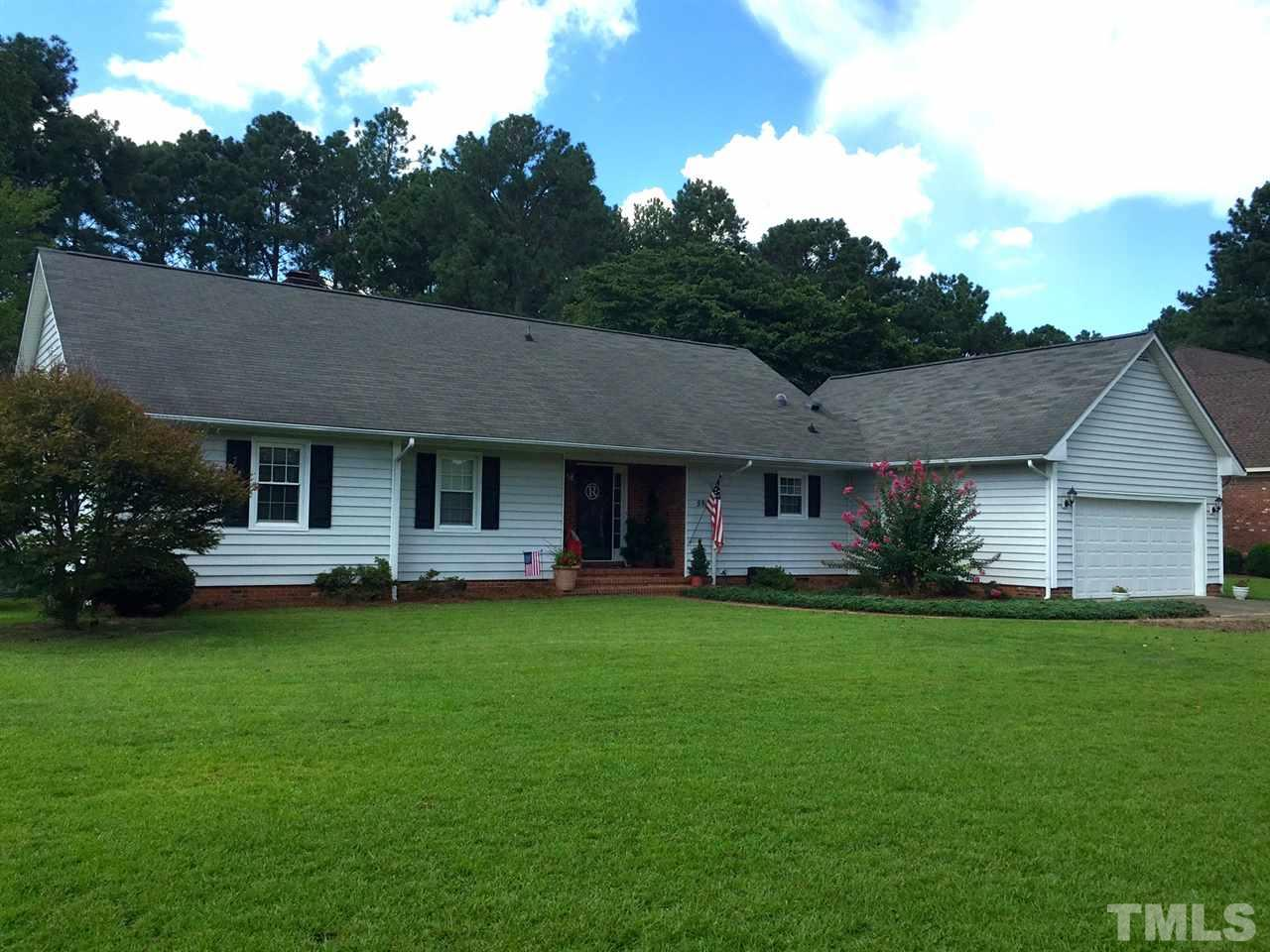Photo of home for sale at 594 Keith Hills Road, Lillington NC