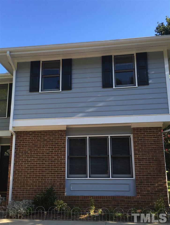 Photo of home for sale at 109 Old Cooper Square, Chapel Hill NC