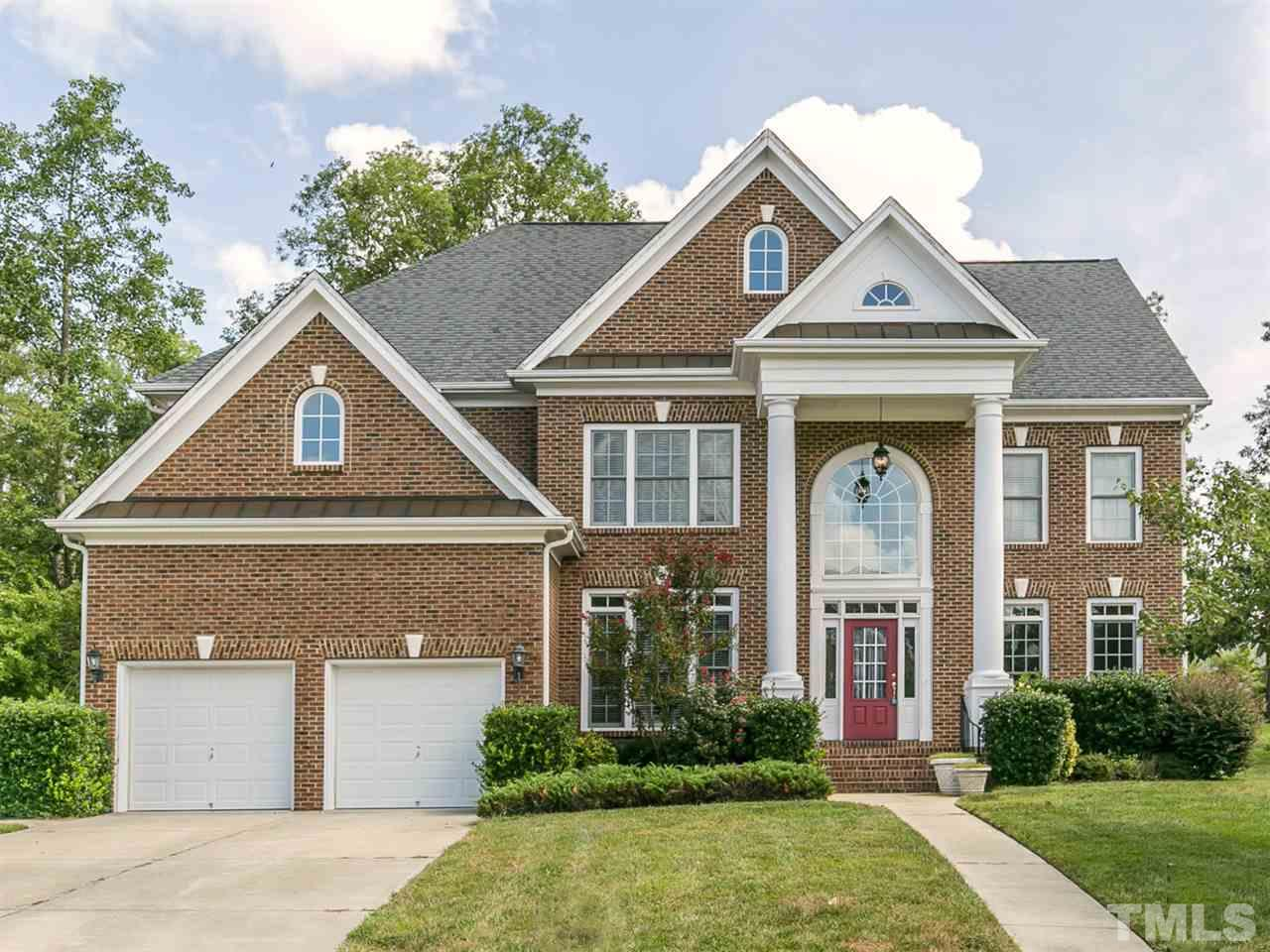 Photo of home for sale at 417 Peaslake Court, Rolesville NC