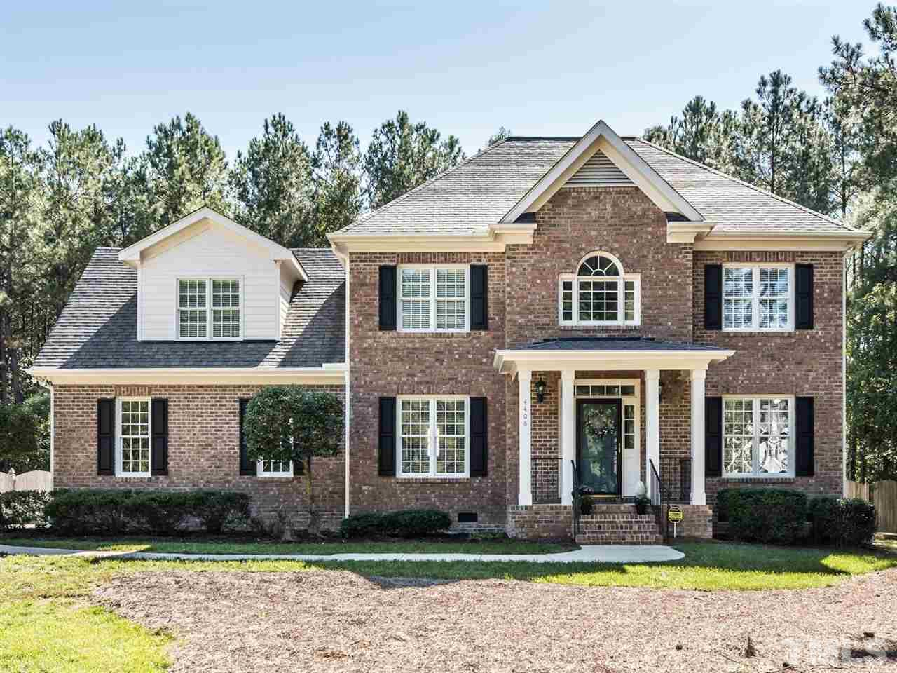 Photo of home for sale at 4408 Thistlehill Court, Raleigh NC