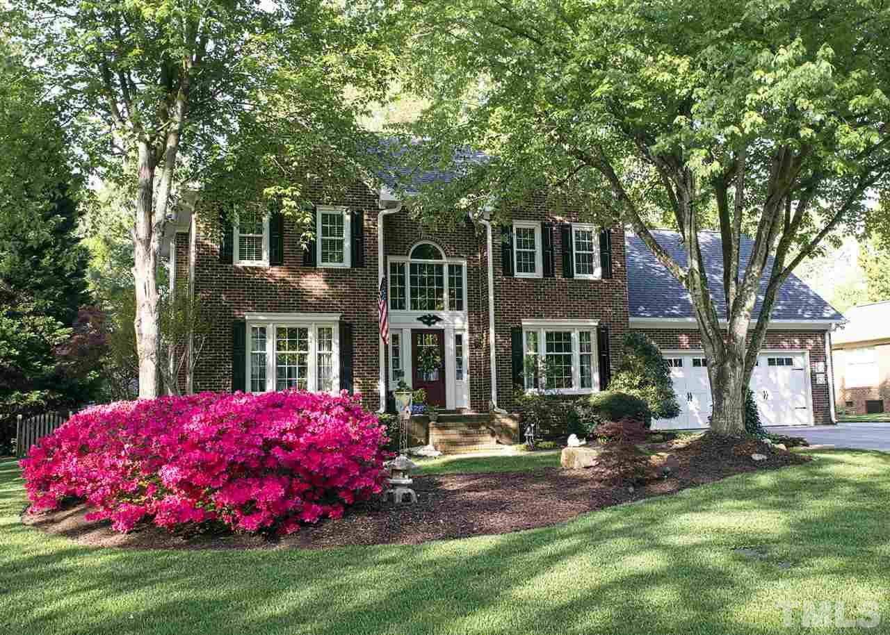 Photo of home for sale at 108 Aspen Avenue, Elon NC