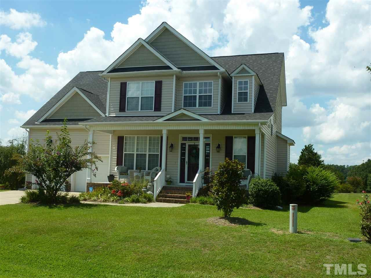 Photo of home for sale at 7720 Eagle Chase Drive, Willow Spring NC