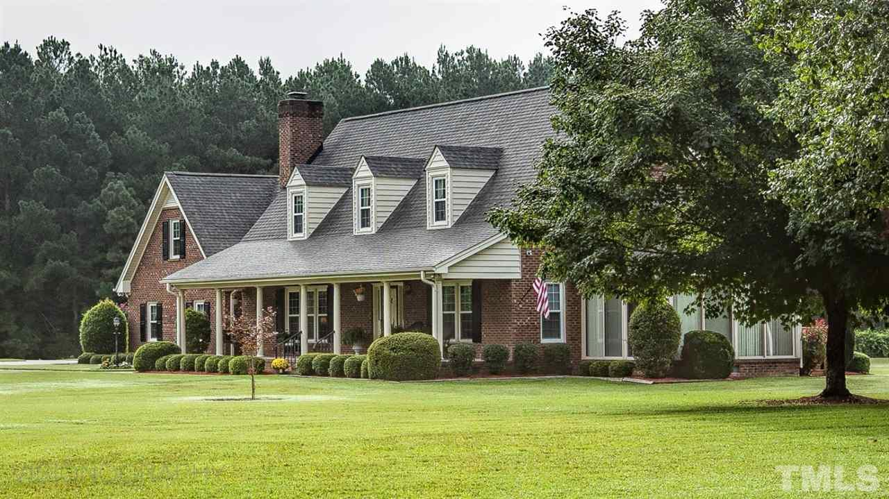 Photo of home for sale at 3950 Cokesbury Road, Fuquay Varina NC