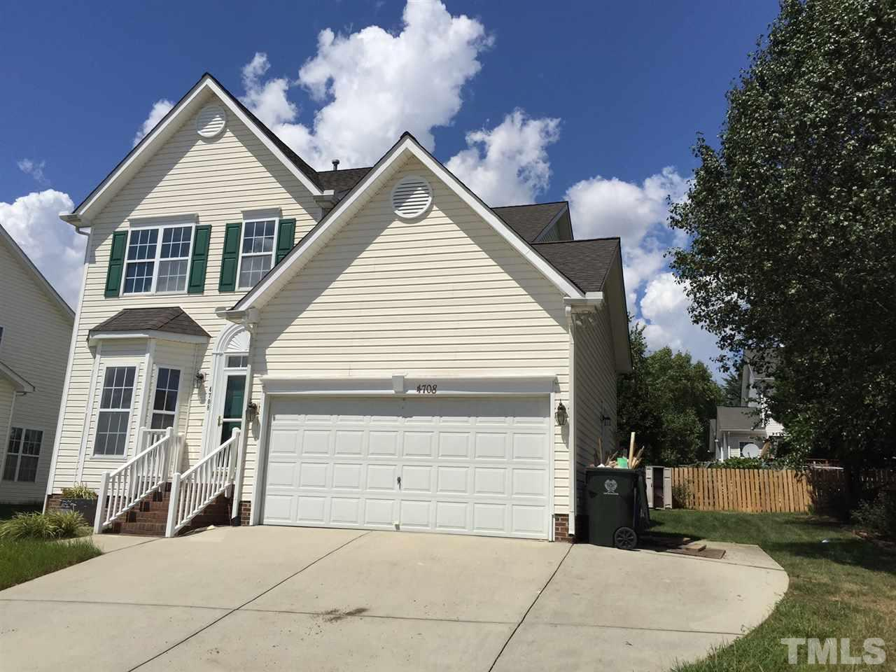 Photo of home for sale at 4708 Parr Vista Court, Raleigh NC