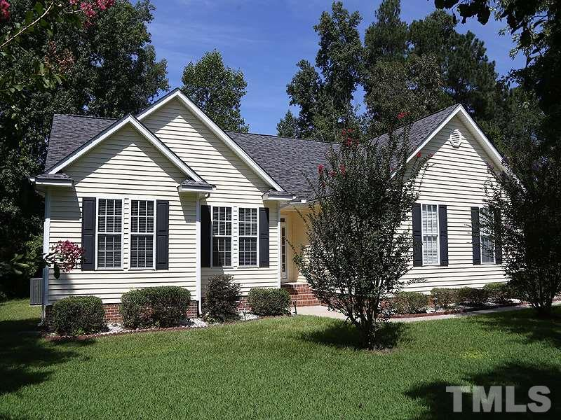 Photo of home for sale at 1304 Windy Field Circle, Knightdale NC