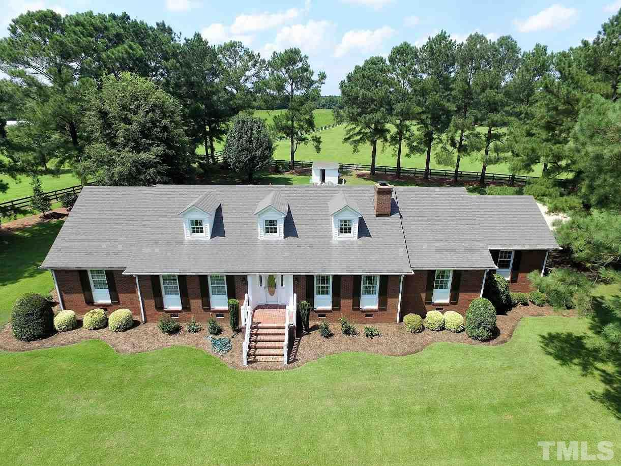 Photo of home for sale at 177 Hales Road, Kenly NC