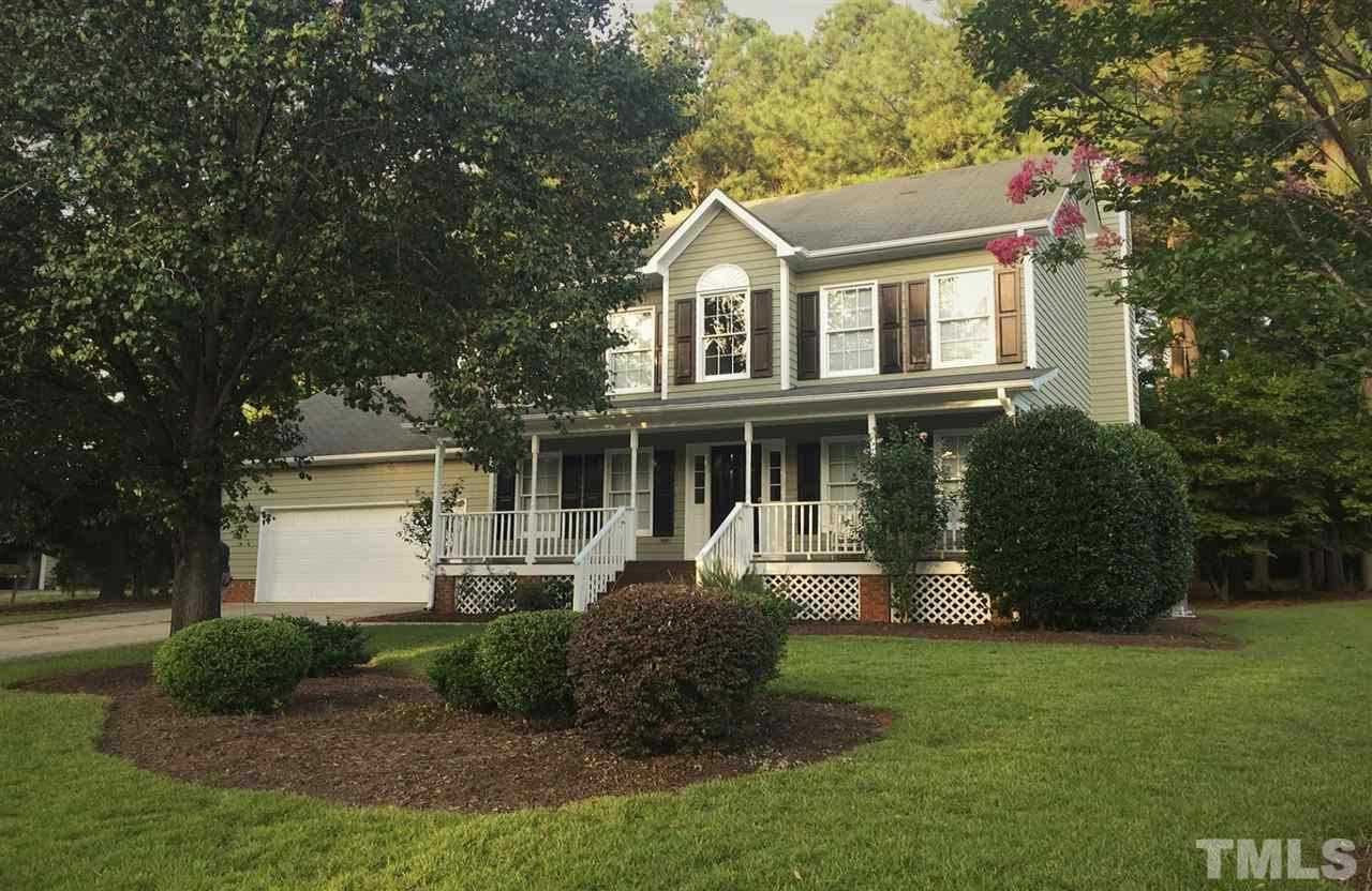 Photo of home for sale at 606 Kimloch Drive, Garner NC