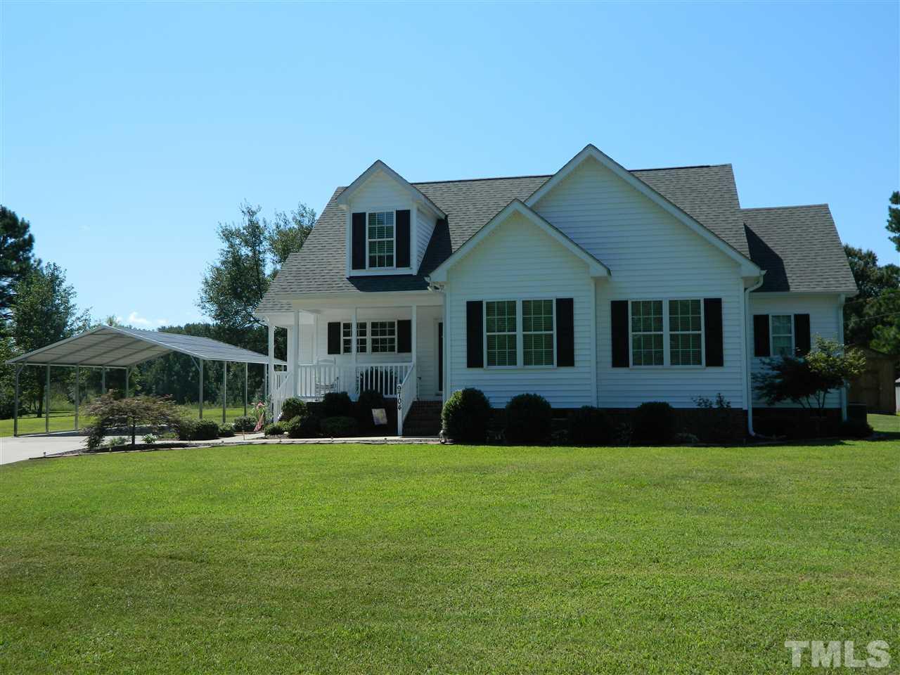 Photo of home for sale at 9704 Dukes Lake Road, Zebulon NC