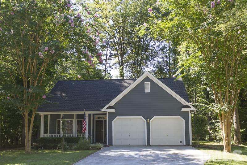 Photo of home for sale at 304 Chesapeake Way, Chapel Hill NC