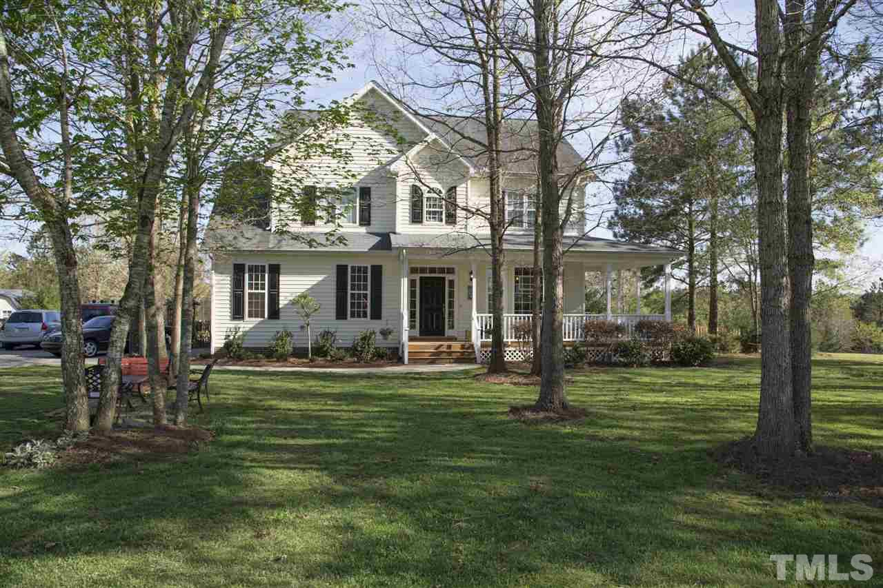 Photo of home for sale at 42 Arrowhead Loop, Pittsboro NC