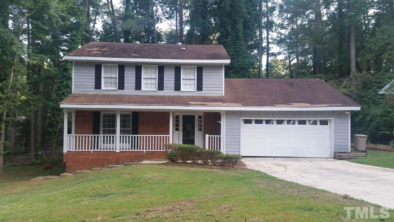 Photo of home for sale at 1407 Buckingham Road, Garner NC