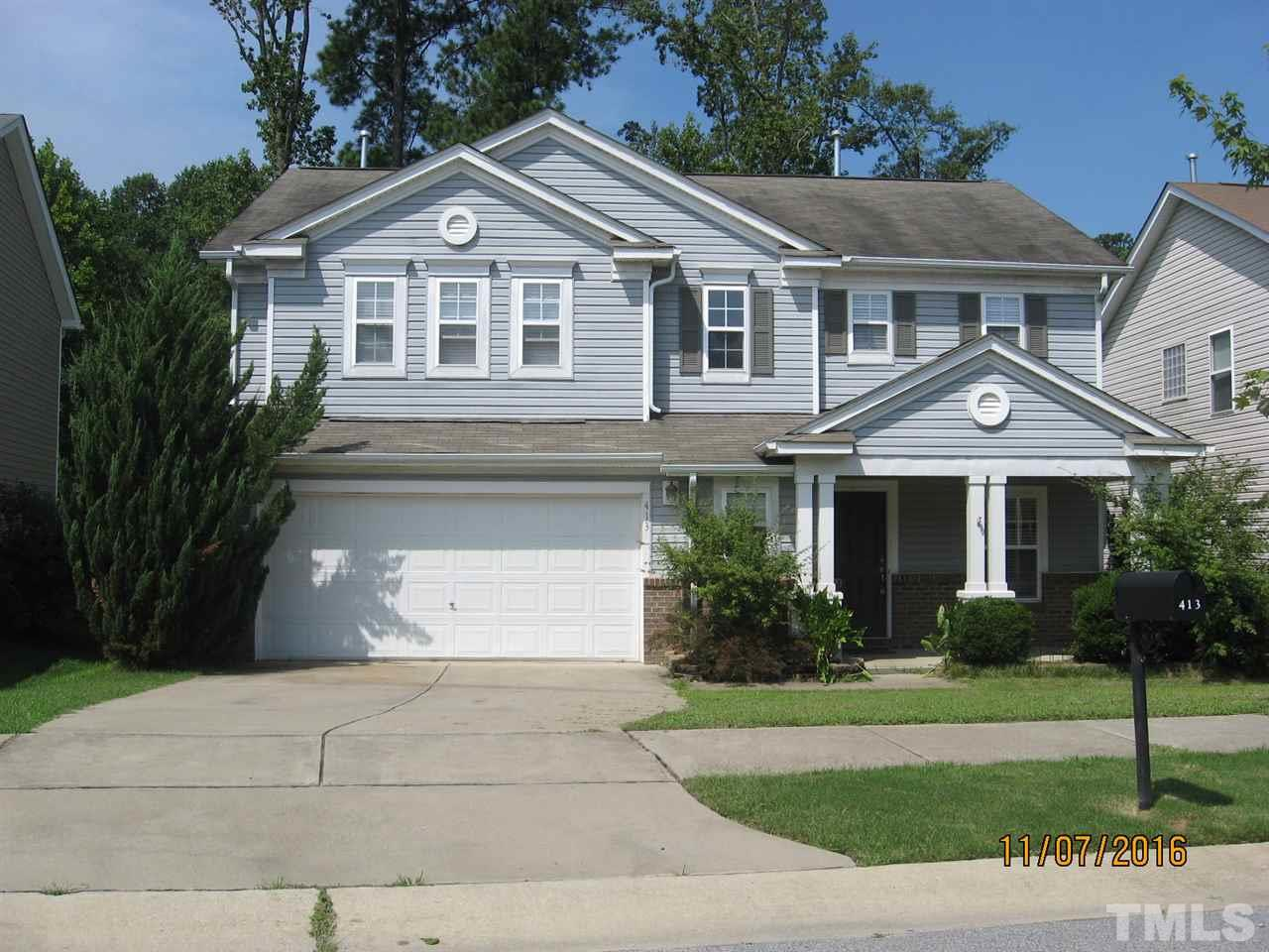 Photo of home for sale at 413 Ashdale Drive, Fuquay Varina NC