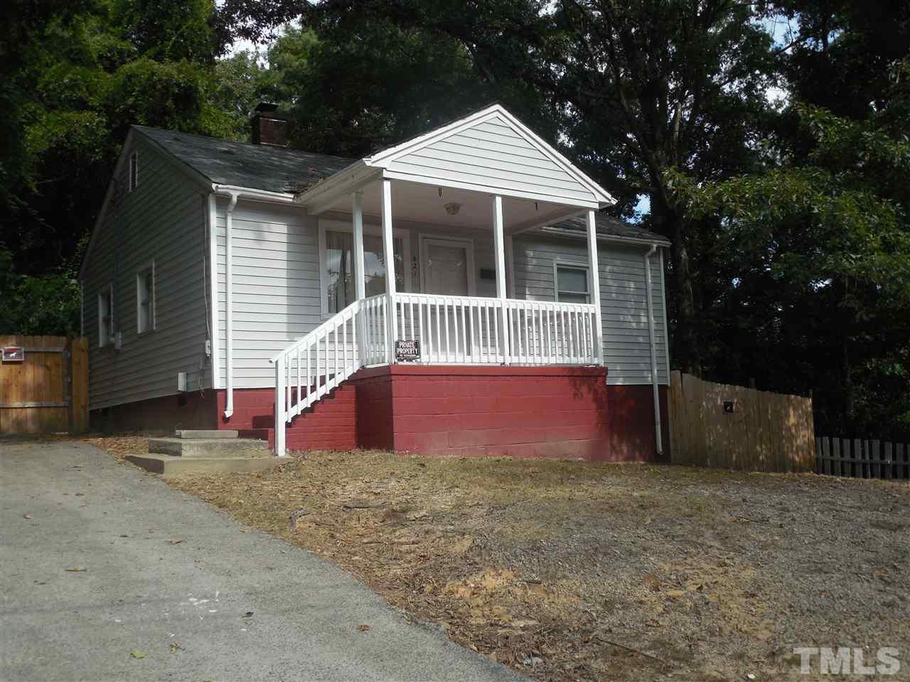Photo of home for sale at 829 Ridgeway Avenue, Durham NC