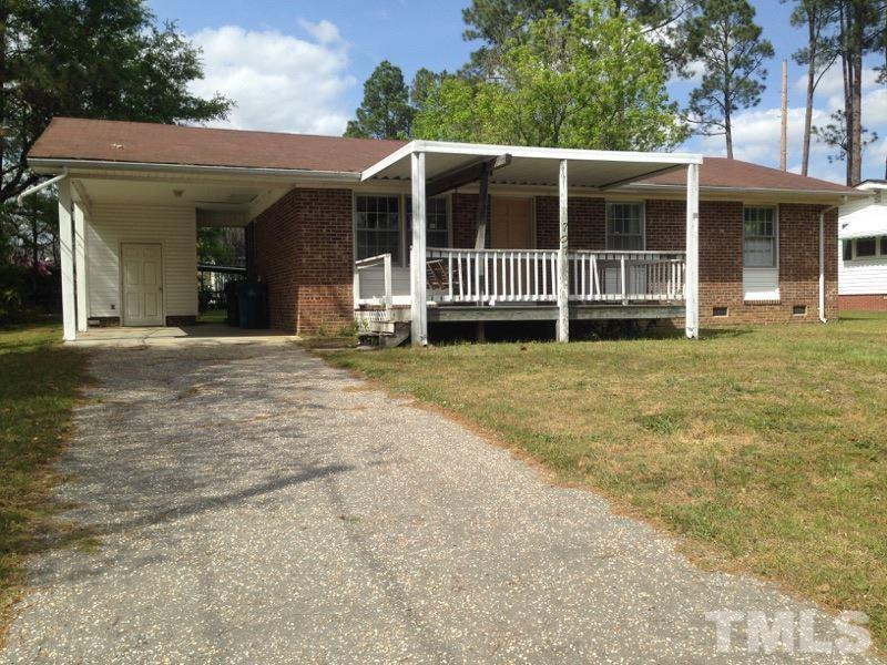 Photo of home for sale at 707 Queens Avenue, Dunn NC