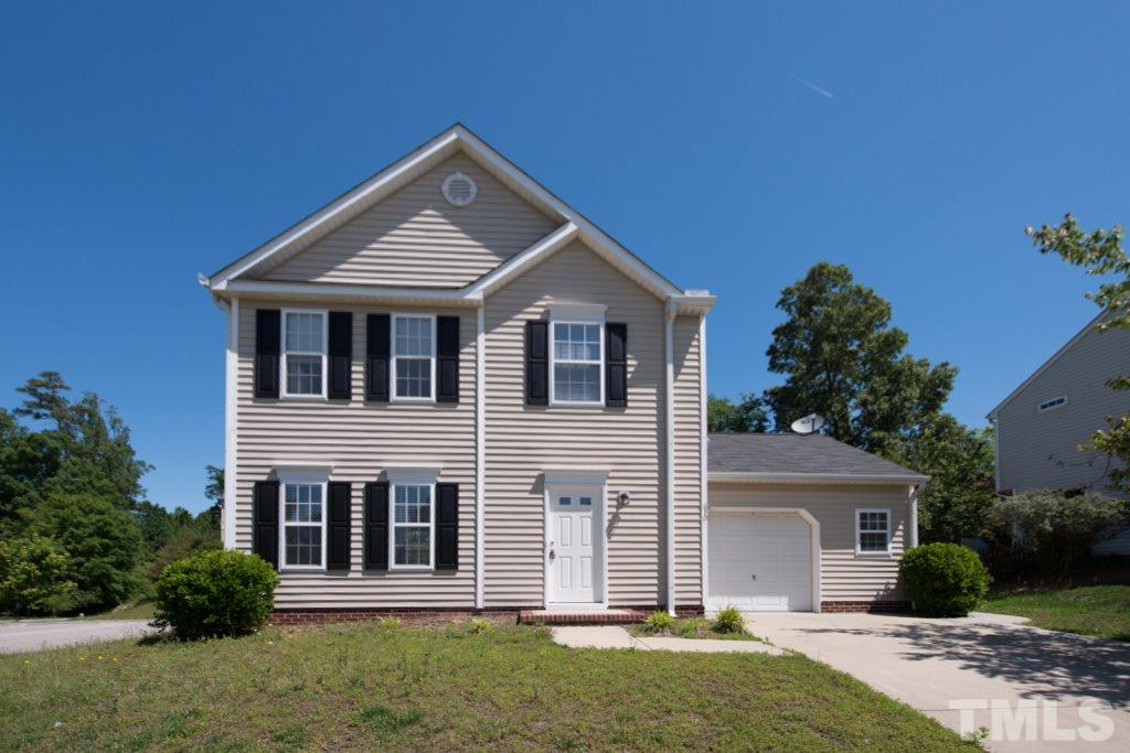 Photo of home for sale at 630 Twain Town Drive, Knightdale NC