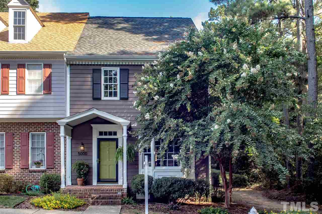Photo of home for sale at 5000 Dunwoody Trail, Raleigh NC
