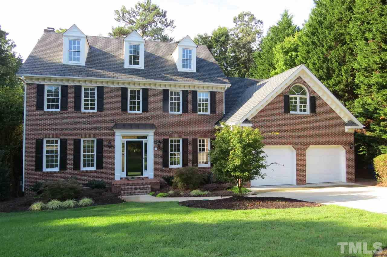 Photo of home for sale at 304 Gretton Place, Raleigh NC