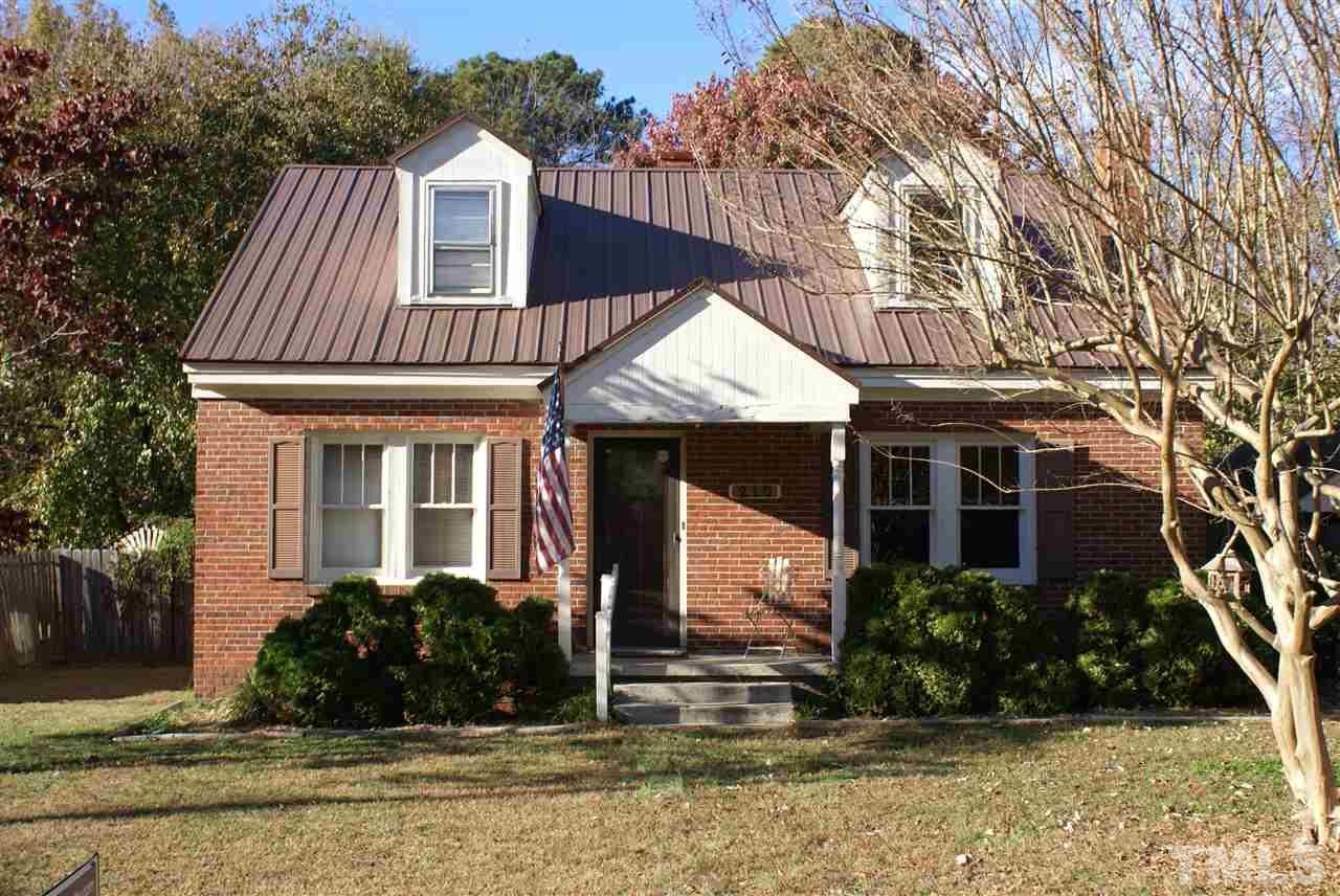 Photo of home for sale at 210 Sycamore Street, Zebulon NC