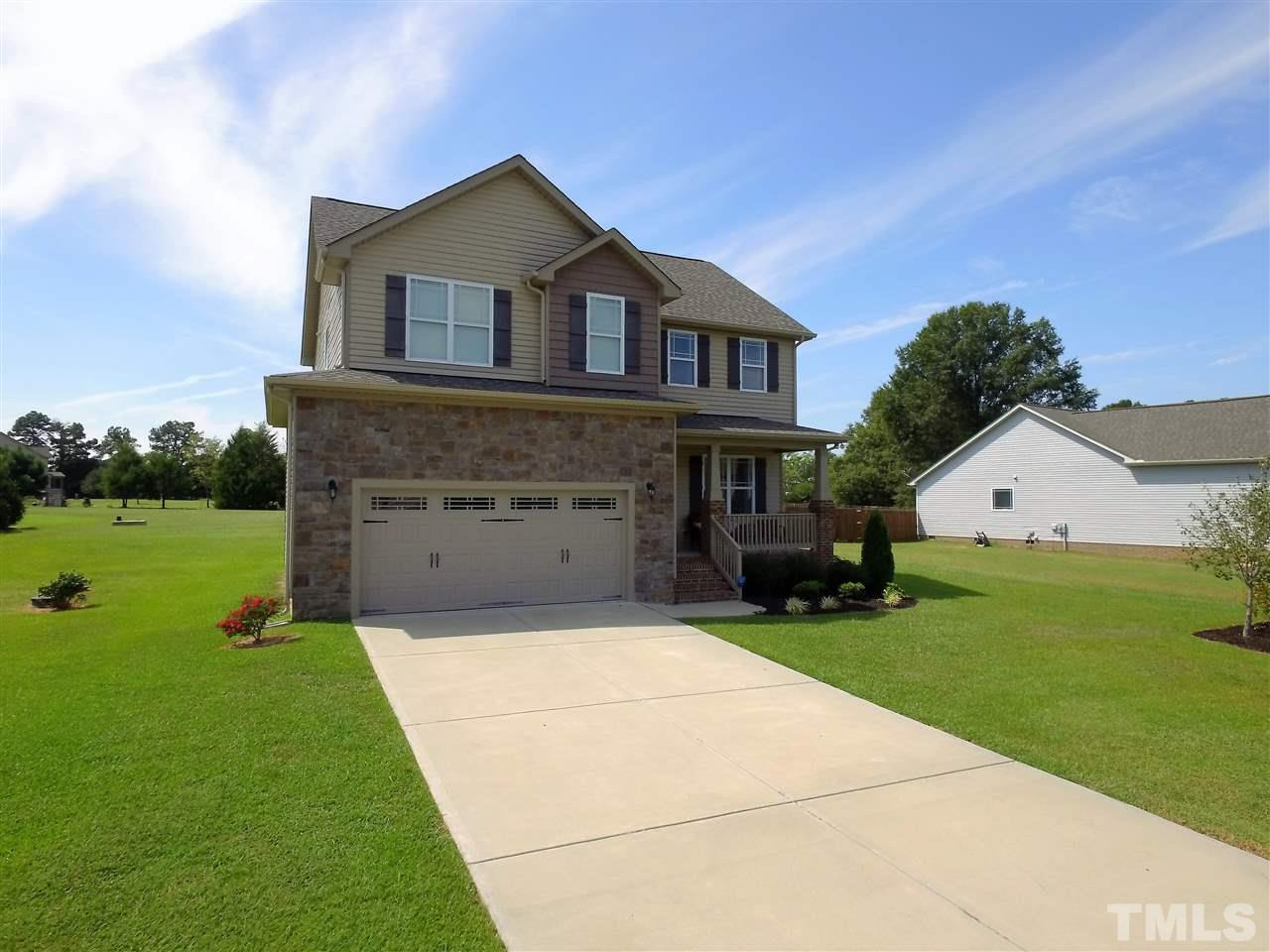 Photo of home for sale at 3005 Plantation Glen Drive, Zebulon NC