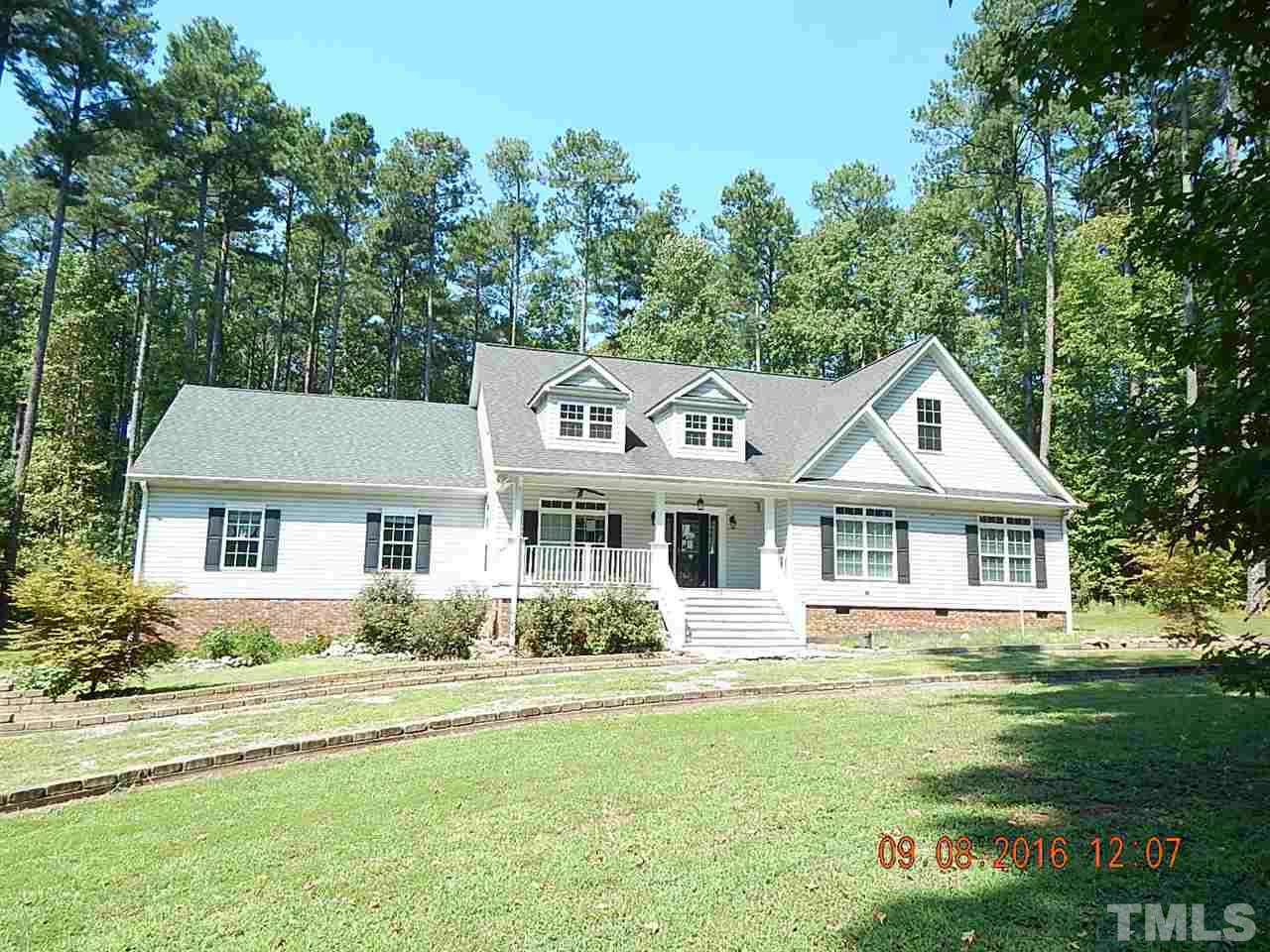 Photo of home for sale at 138 Greenbriar Road, Littleton NC