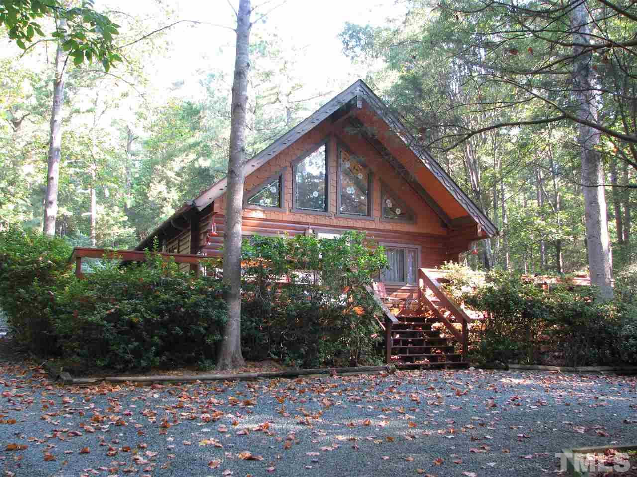 Photo of home for sale at 300 Rabbit Run, Pittsboro NC
