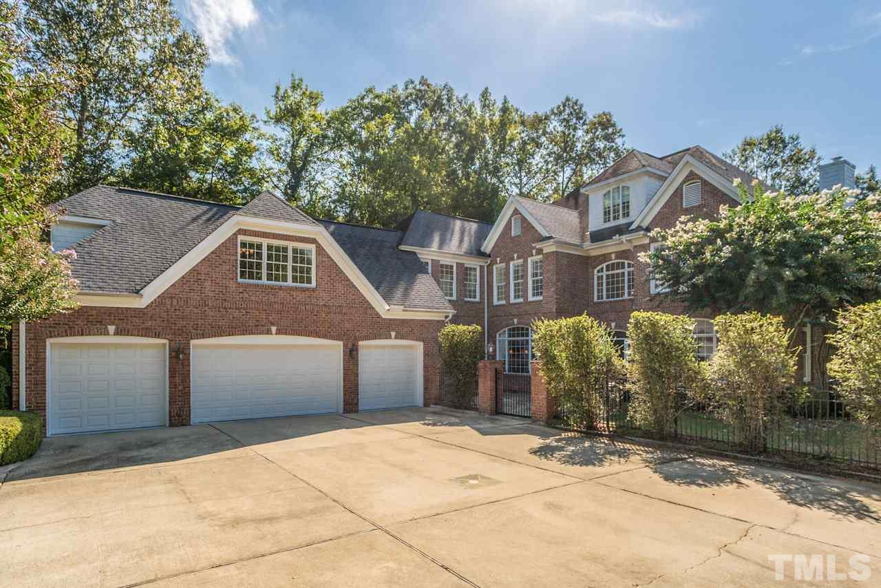 Photo of home for sale at 116 Donegal Drive, Chapel Hill NC