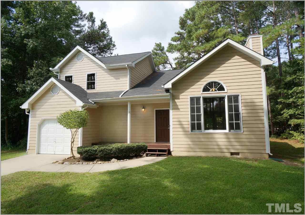 Photo of home for sale at 4716 Wyndchase Court, Fuquay Varina NC