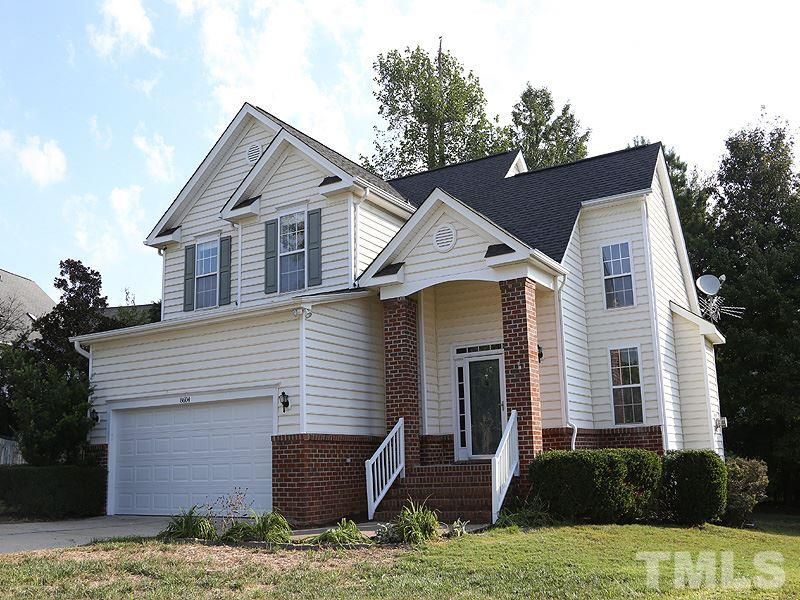 Photo of home for sale at 8604 Rosecliff Court, Raleigh NC