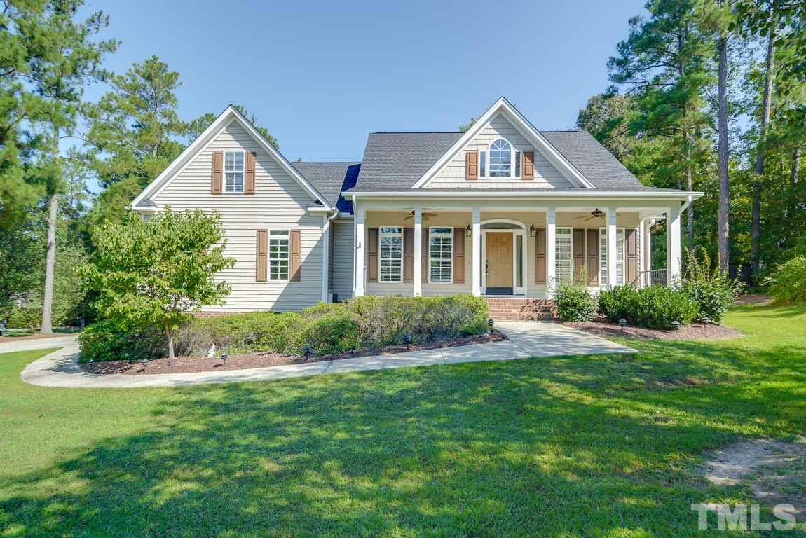 Photo of home for sale at 102 Clifton Ridge Court, Louisburg NC