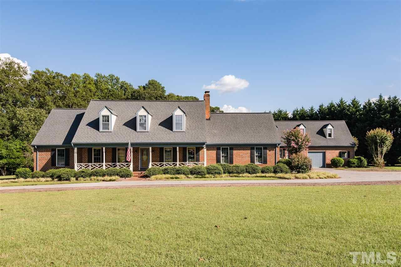 Photo of home for sale at 6621 Whitted Road, Fuquay Varina NC
